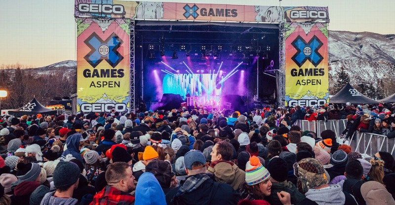 x games music stage and crowds
