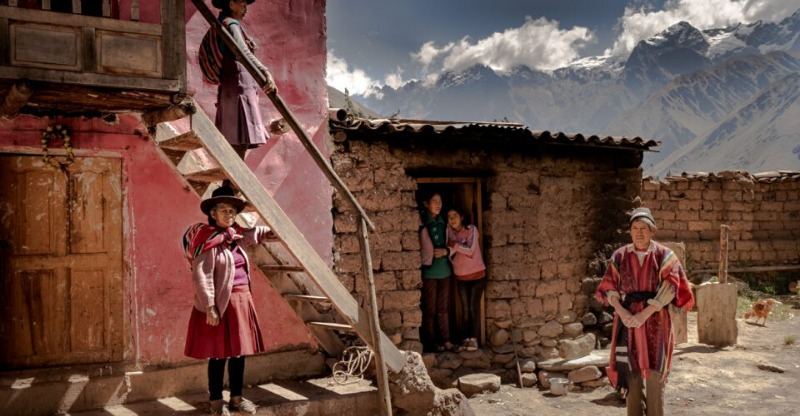 Stunning mountain views in a rural town with China Nomad Photo Tour