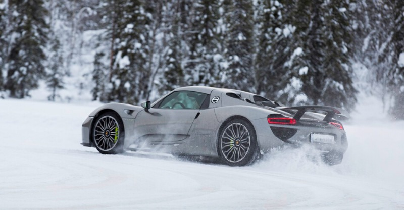 Winter driving experience on ice in a porsche