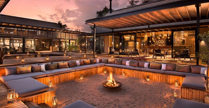 Luxury Sabi Sands River Lodge lit up at night