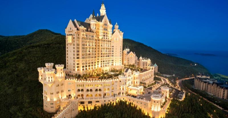 The Castle Hotel Dalian at night
