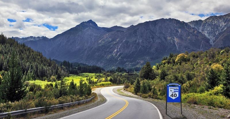 Ruta 40's spectacular mountain backdrops