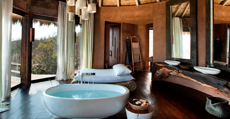 Luxurious bath overlooking the Leobo private reserve