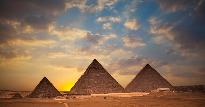 On the Go tours Egyptian pyramids under the beautiful sunset