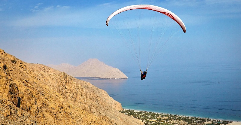Paraglide to your luxury hotel in Oman