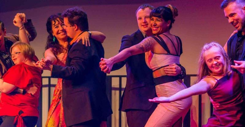 Tango en Punta smiling dancers