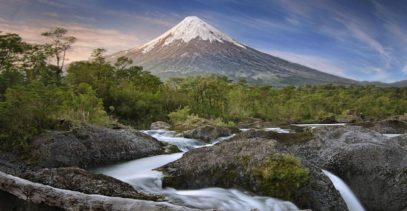 Fresh water running off the mountain with chile tours