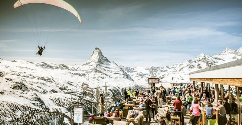 Sunbathing and scenic mountain back drops at The Brits 2020