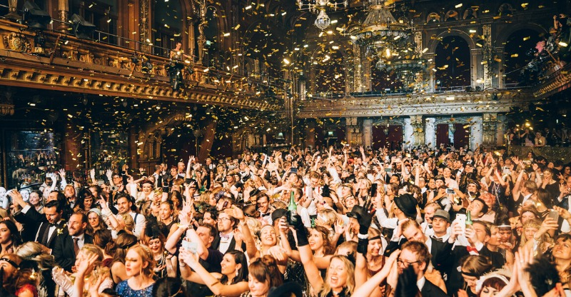 Party like Gatsby crowd