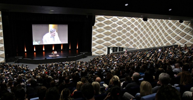 Audience at An Evening with Eckhart Tolle