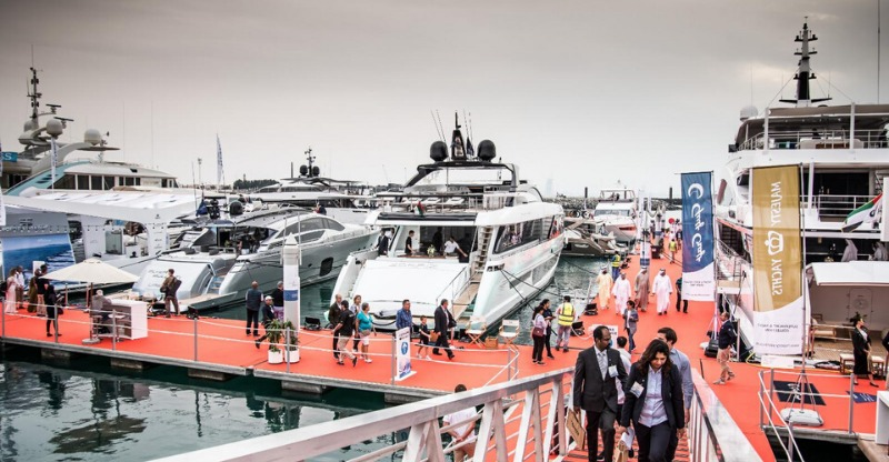 Luxurious boats and buyers at the Dubai Boat Snow