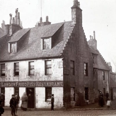 Cod-botherers in Govan (The London Fried Fish Restaurant, Water Row, Govan, 1890s (Glasgow City Archives))