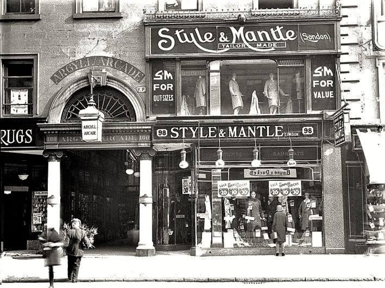 The Argyle Street entrance, in 1930.
