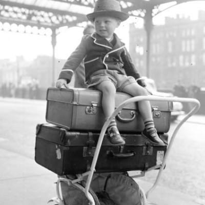 In Glasgow's Fair city... (Three-year-old Paul Flannigan was ready for the off, at St Enoch Station, in 1957 (Picture: TSPL))