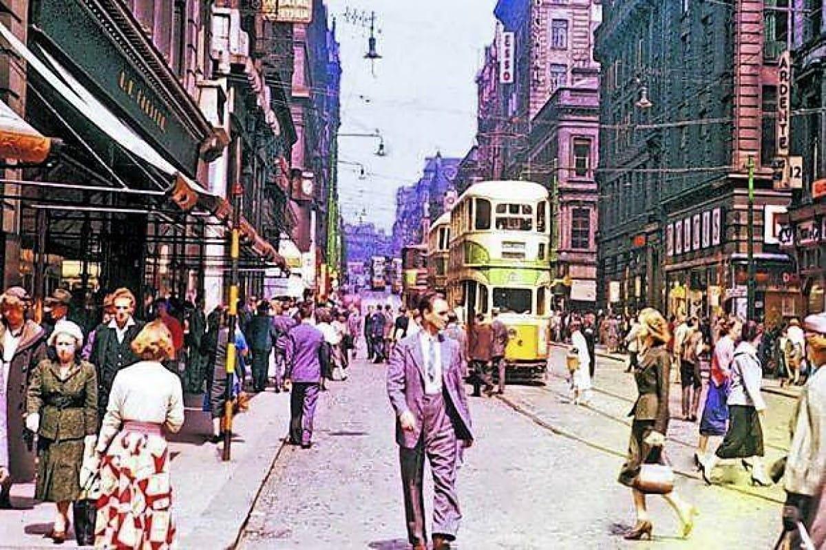 Hot time, summer in the city... (Renfield Street, summer 1958 (Bill Innes))