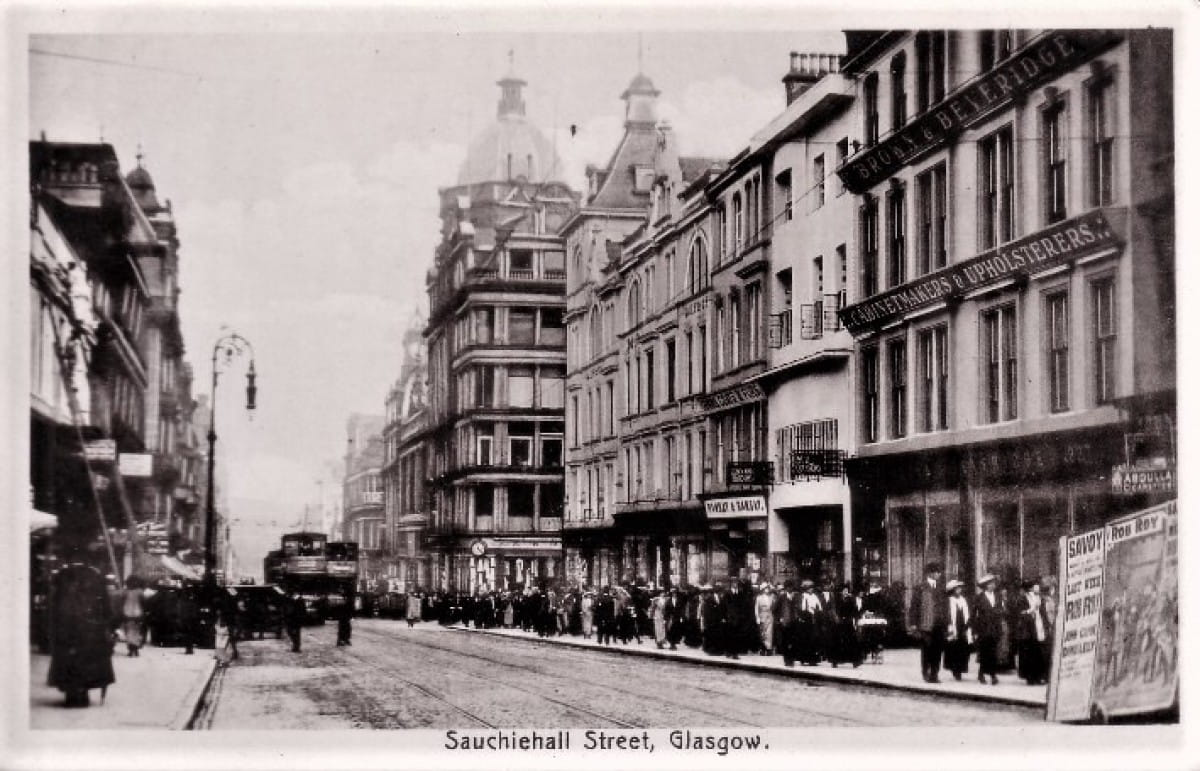 An army marches on its stomach (Rent strikers, Sauchiehall Street, 1915 (Postcard))