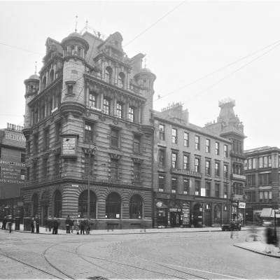 Turning the corner? (Trongate and Glassford Street in 1930 (Glasgow City Archives))
