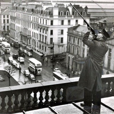 A wing and a prayer (Bill MacCracken on the roof of the City Chambers in 1957 (Newsquest Media Group))