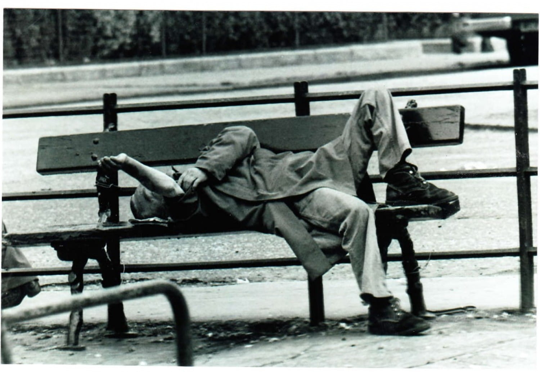 Lunchtime nap, Bain Street.