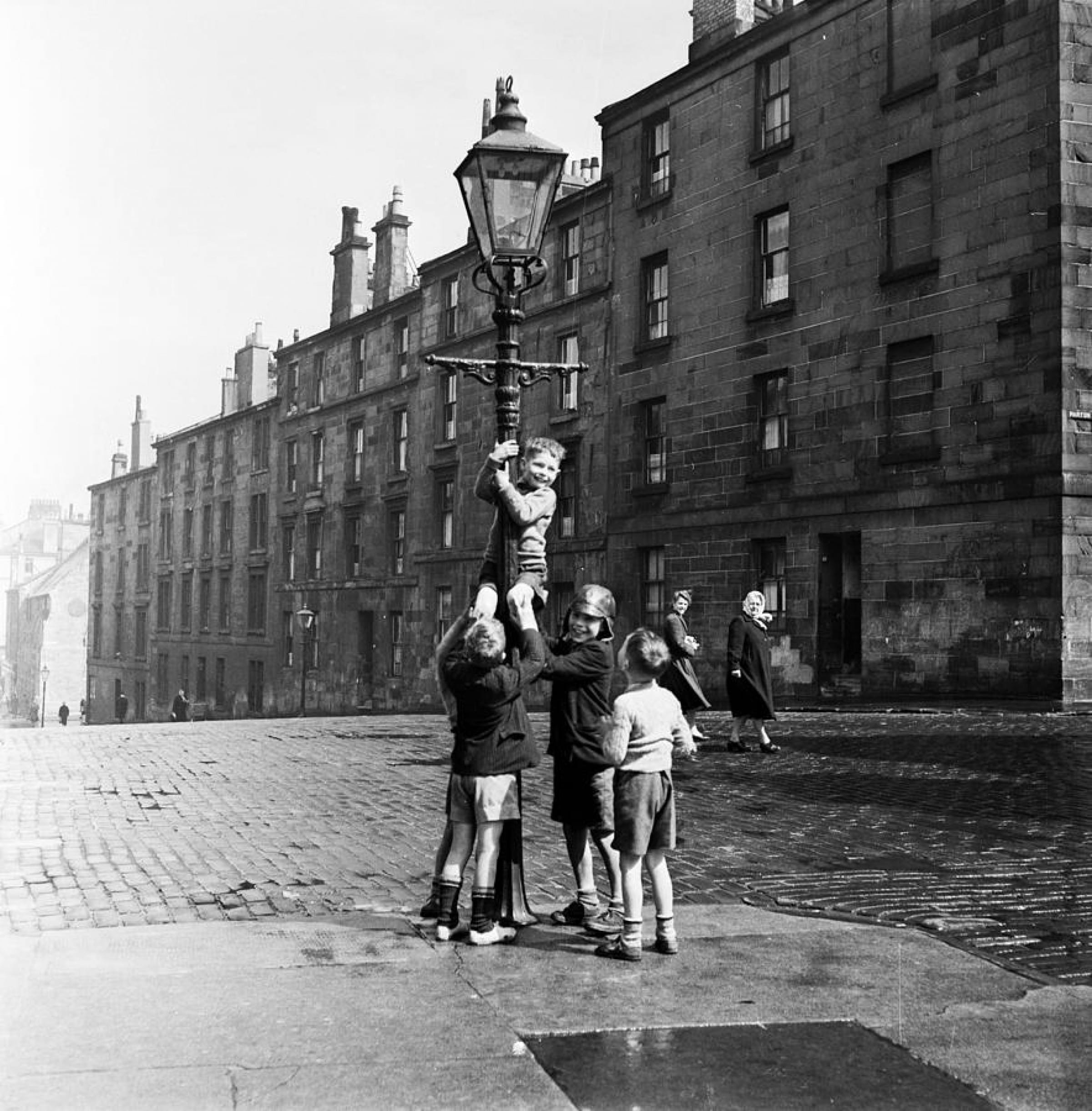 Pole position (Pole position, Townhead, 1955 (Picture: Haywood Magee, for Picture Post))