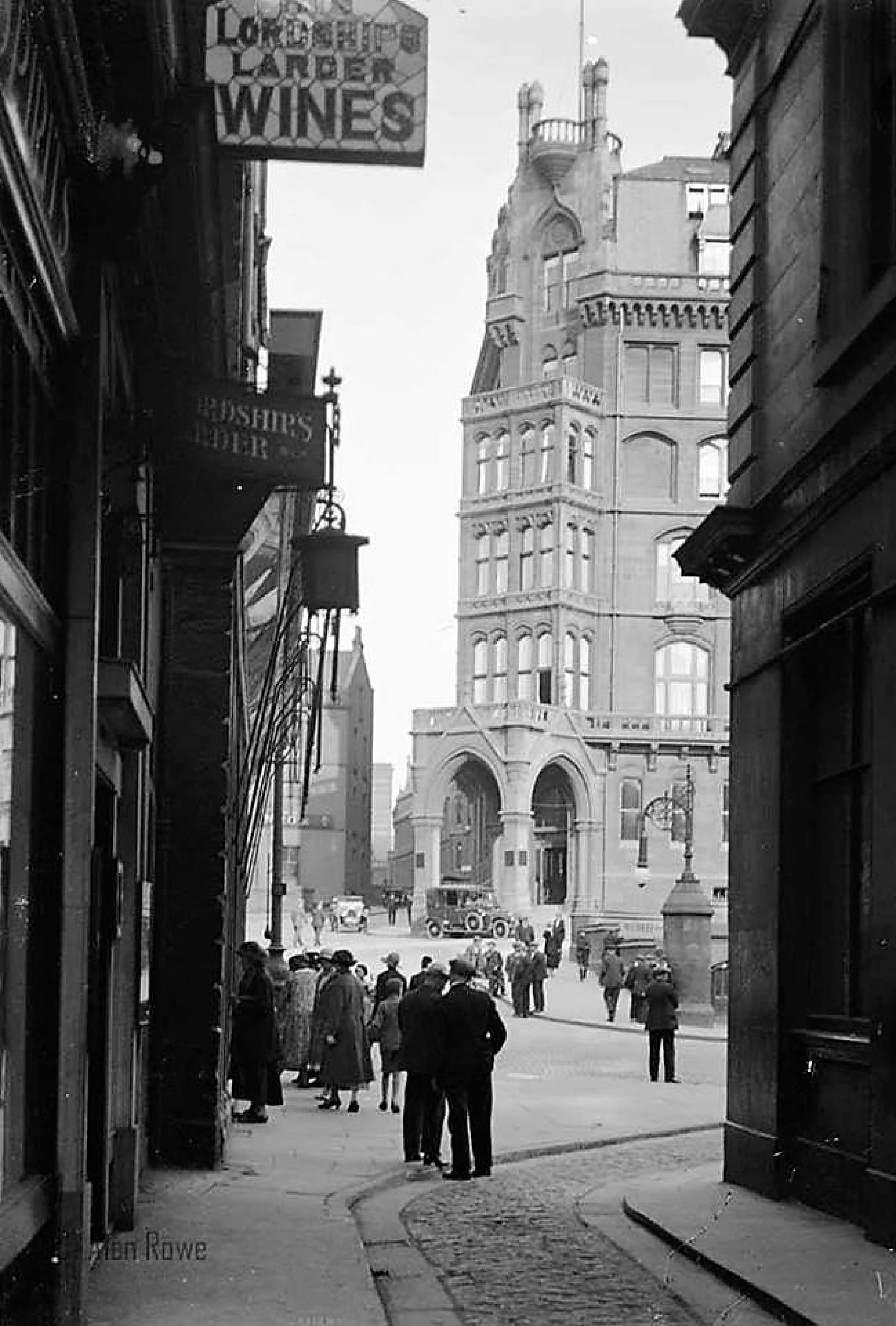 Look in the Larder (His Lordship's Larder and the St Enoch Hotel, from Adam's Court Lane (Picture: ©Alan Rowe All Rights Reserved. With our thanks.))