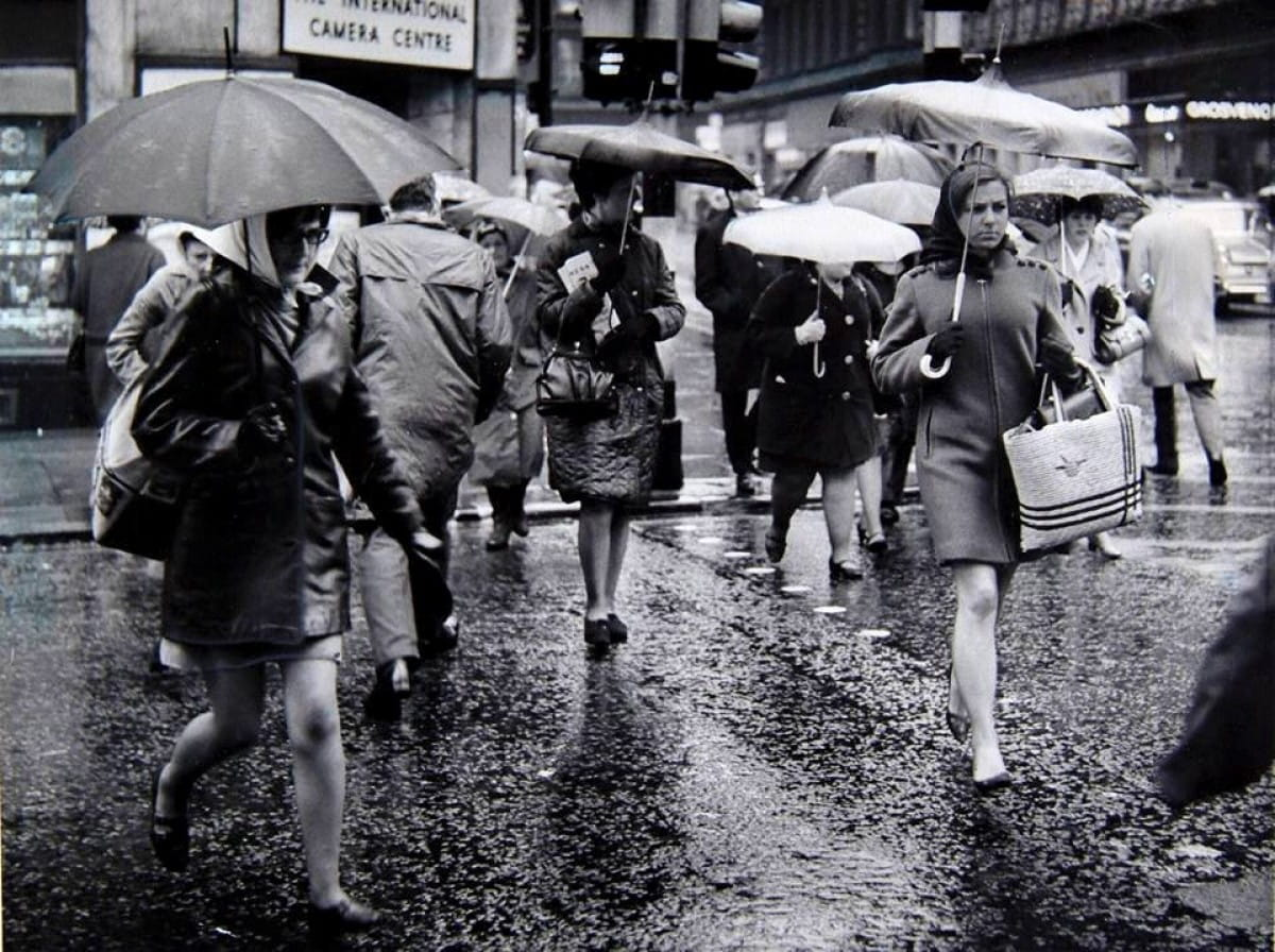 Brolly good show! (Union Street at Gordon Street, mid-1960s (Newsquest Media Group))