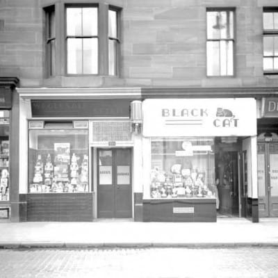 The cat cafe (The Black Cat Cafe, Govan Road (Picture: Mitchell Library))