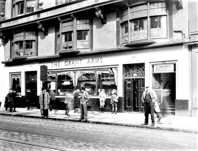 The bar wearing a dashing Art Deco look