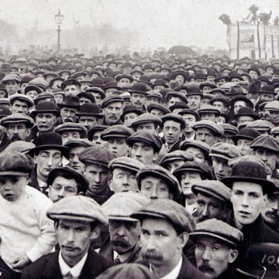 Hat's entertainment! (A sea of hats. May Day, 1913, Glasgow Green (Picture: Glasgow Museums))
