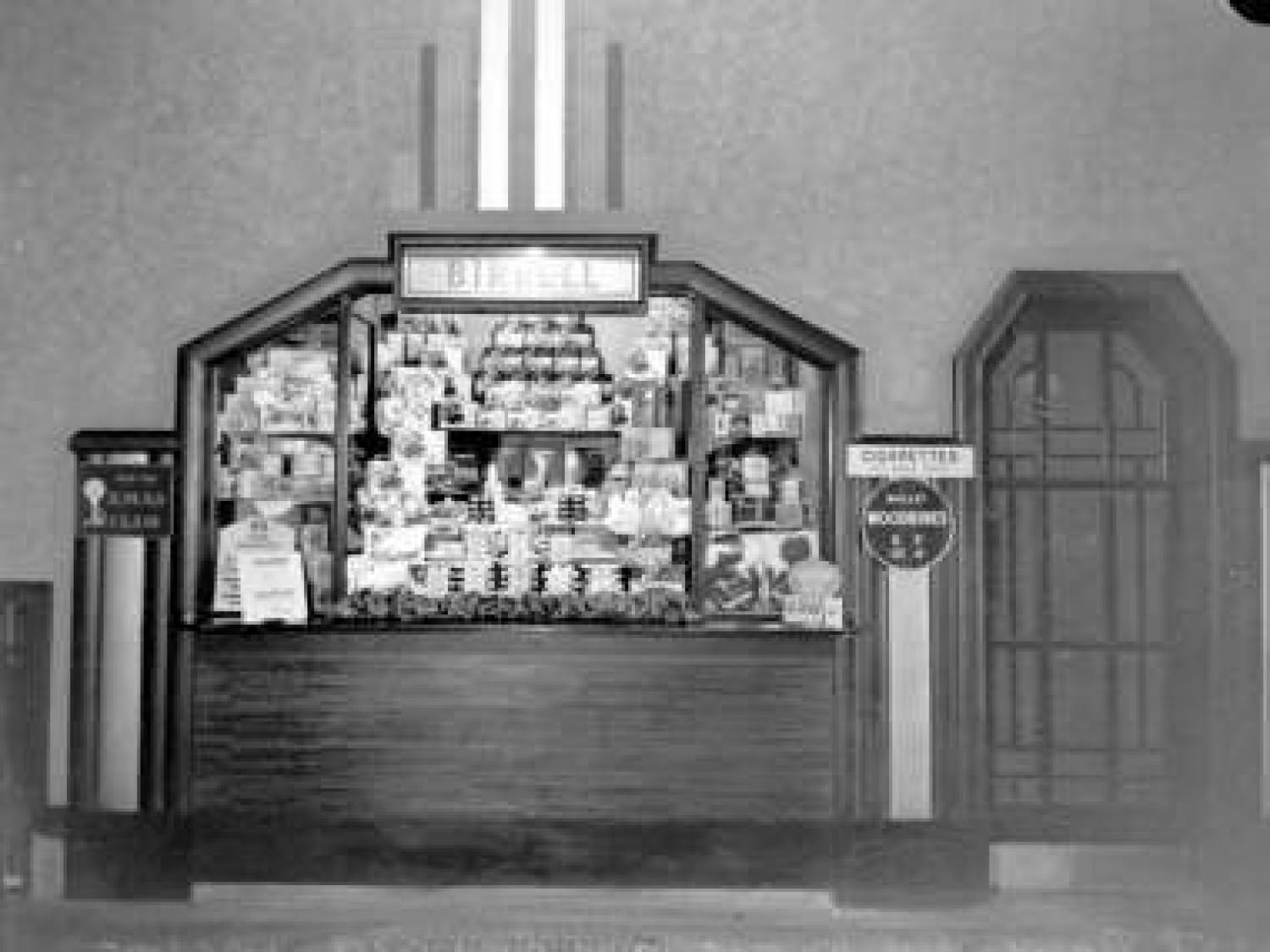 The sweetie kiosk (Glasgow City Archives)