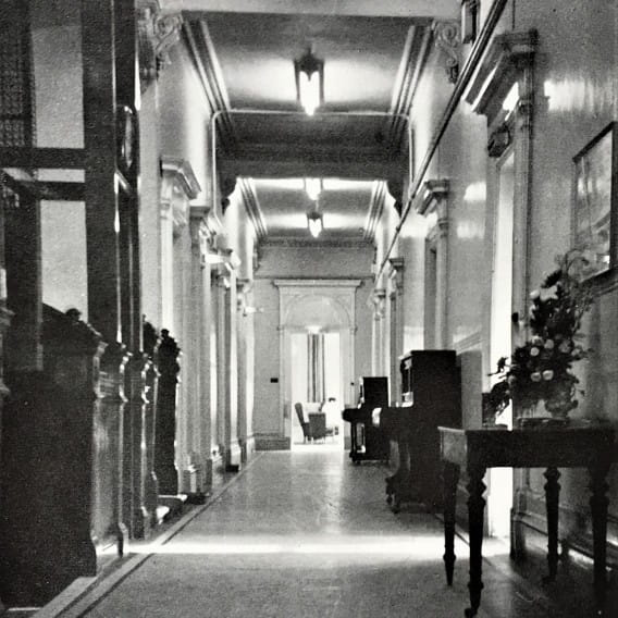 Ain't that Grand! (The first floor corridor of the Grand Hotel, 1968 - Picture - A Hillhead Album)