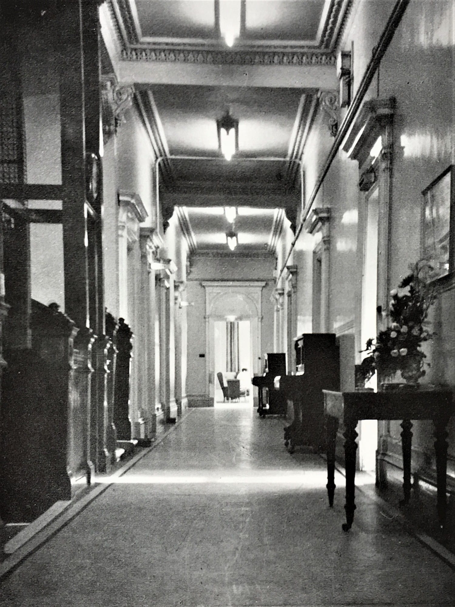 The first floor corridor of the Grand Hotel, 1968 - Picture - A Hillhead Album