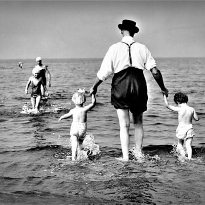 Summer is in the Ayr! (The Costa del Clyde - Ayr beach, 1959 (Picture: Newsquest Media Group))