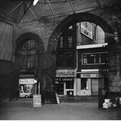 All change at Queen Street (The Dundas Street entry/exit to Queen Street Station, 1960s)