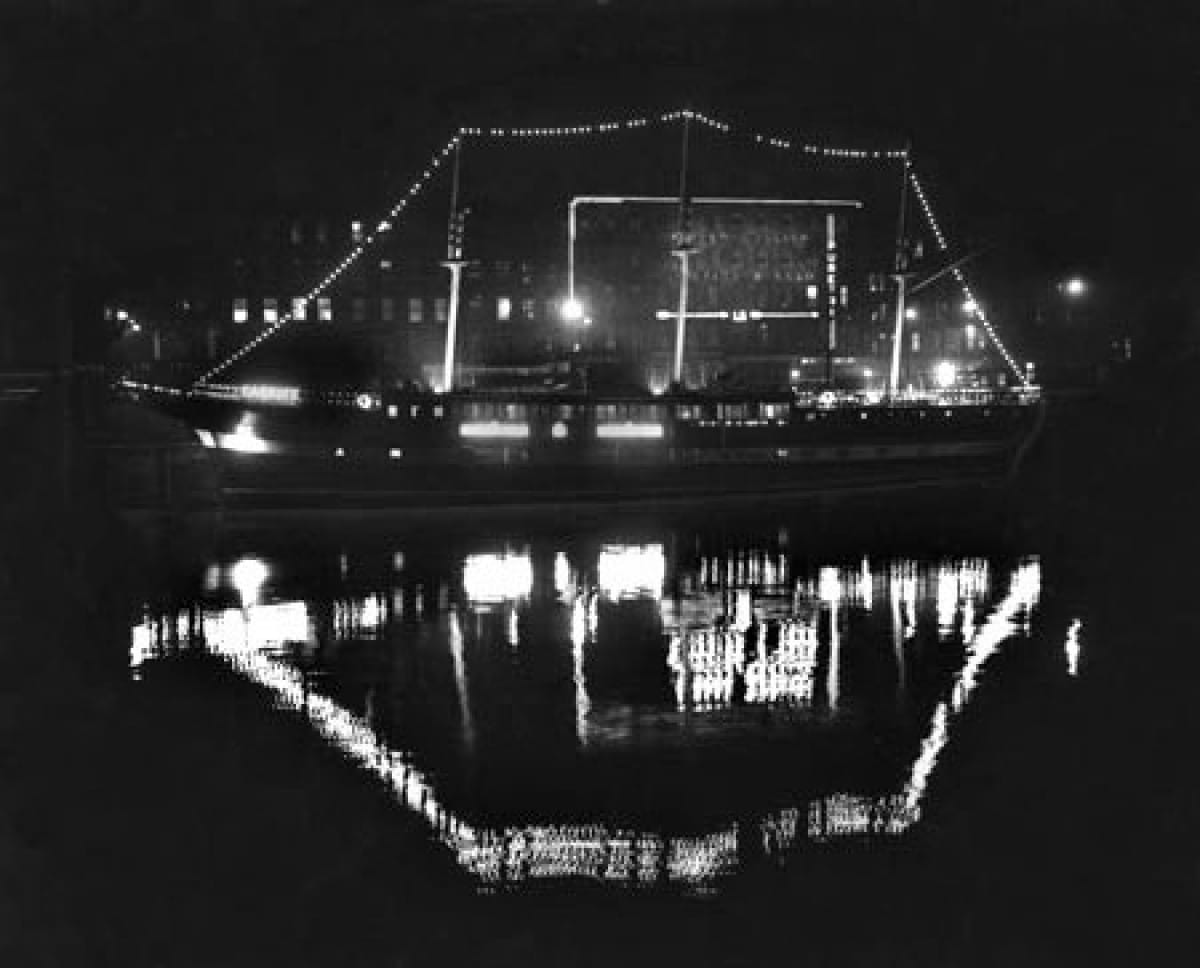 The crystal ship (The Carrick, in 1959 (Newsquest))