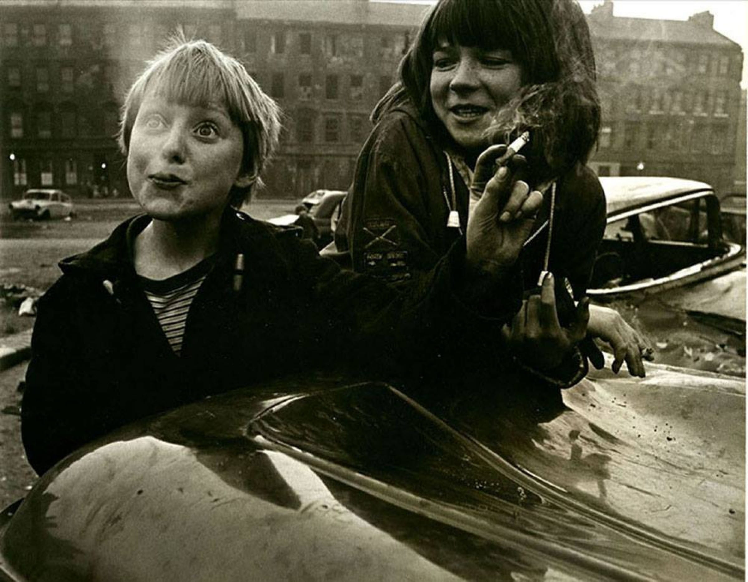 Gorbals ladies (Gorbals ladies - Violet Fitsimmons and Rosemary Mowatt - 1966, by https://photophile.wordpress.com/category/gorbals/)