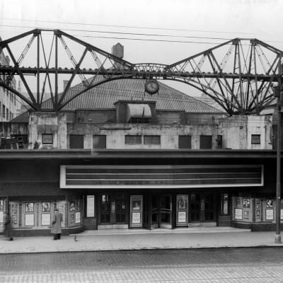 Pickard pulled a crowd (The cinema, complete with its model Forth Bridge. The film showing this night was a circus romance called The Woman for Joe - dating the photograph to 1955)