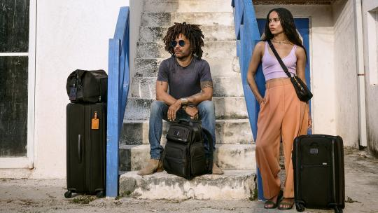 <h1>Journey to The Bahamas with Lenny and Zoë Kravitz </h1>