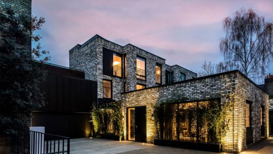 Best houses with private parking or garages