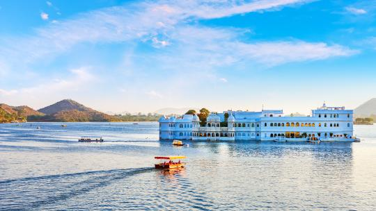 <h1>India's Most Enchanting Destinations</h1>