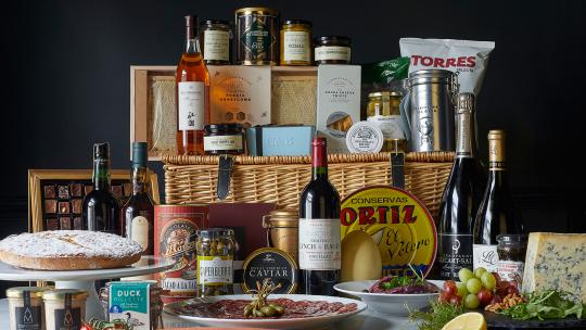 Luxury hampers london