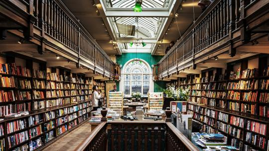 London book shops, daunt books