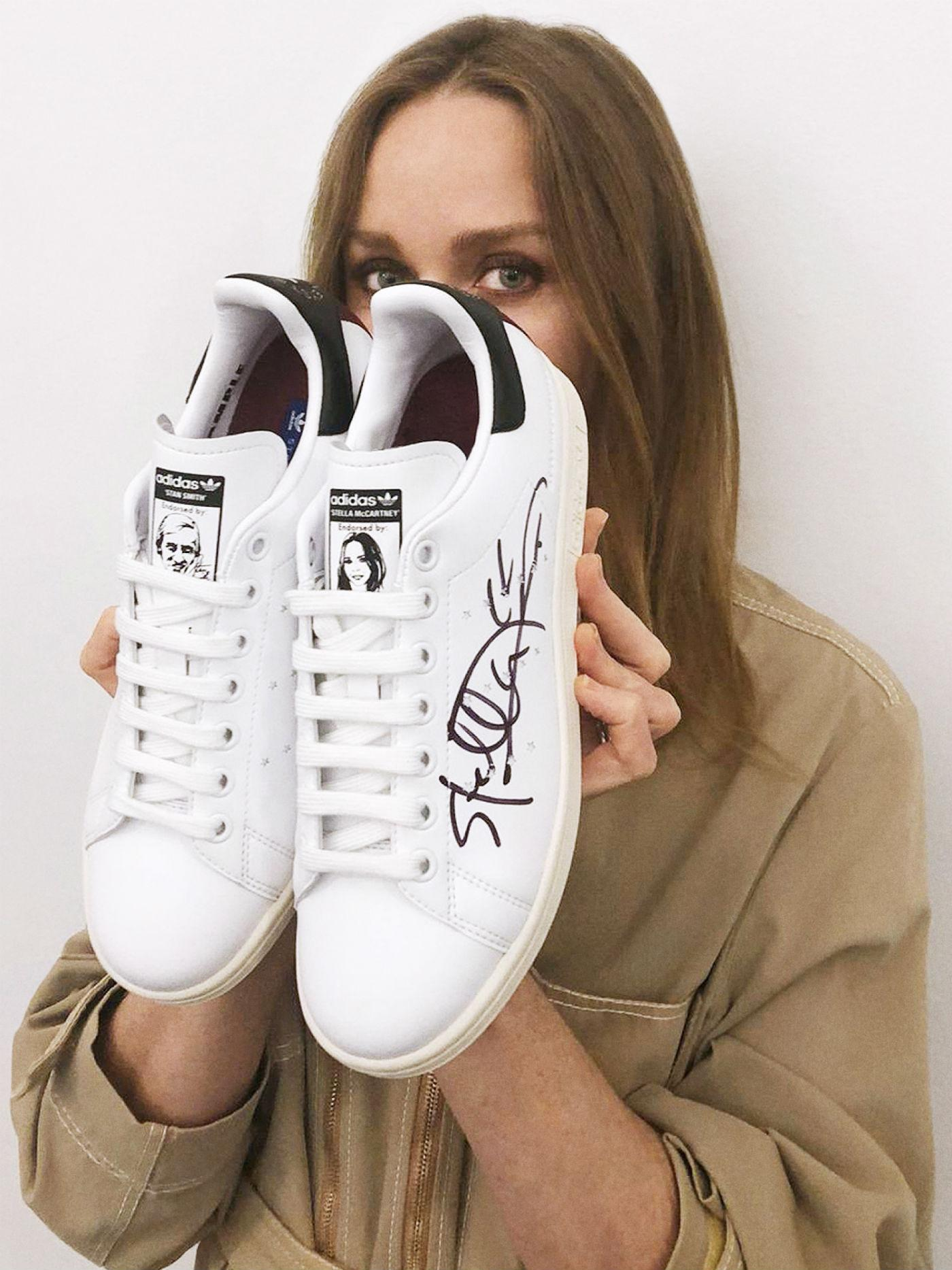 the latest 8abe8 e7e79 Stella McCartney Creates the First Vegan Adidas Stan Smith ...