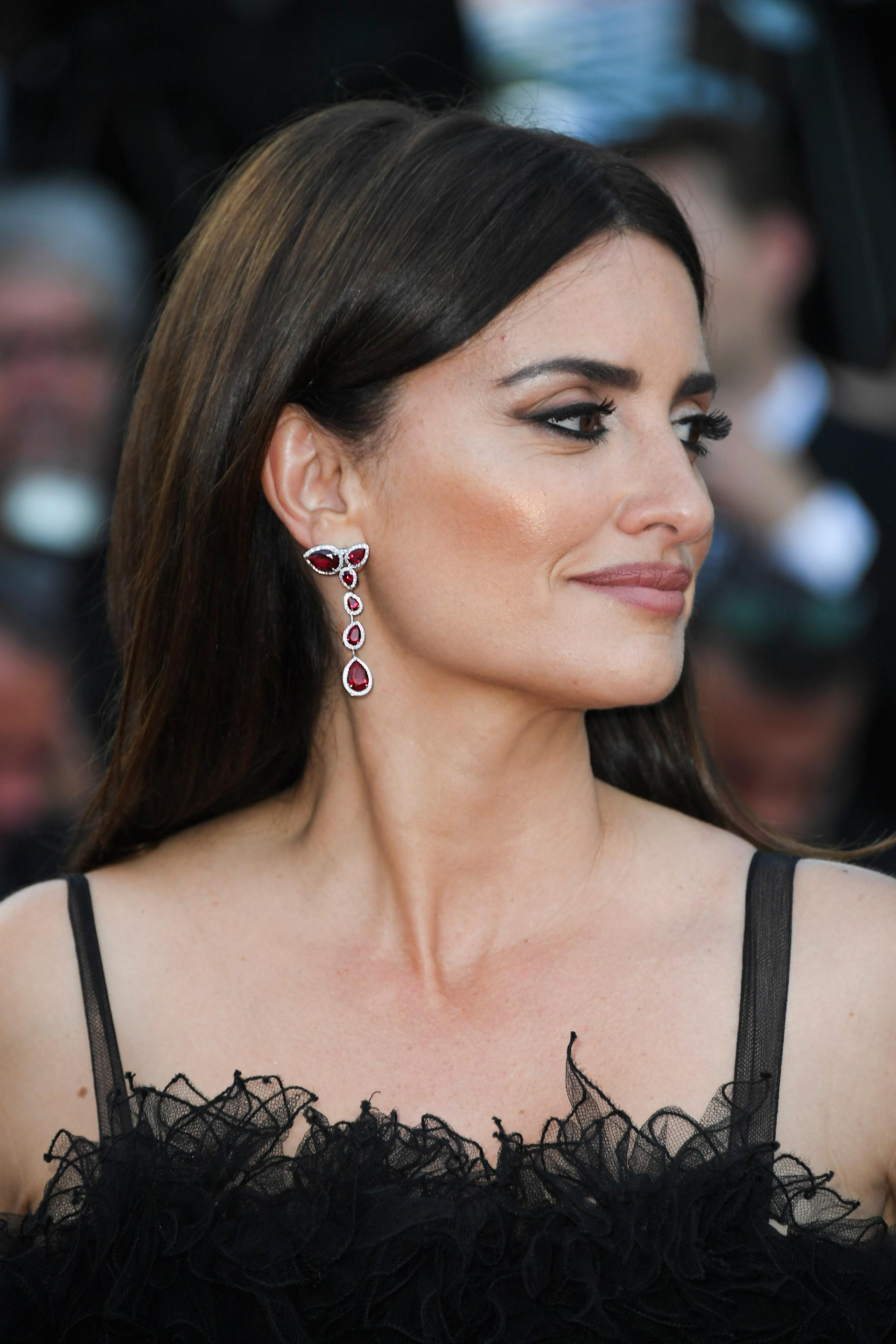 4c10a1cf570a6 Atelier Swarovski by Penélope Cruz Arrives in London: Sustainable ...
