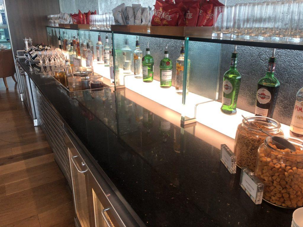 Bar at BA Club Lounge