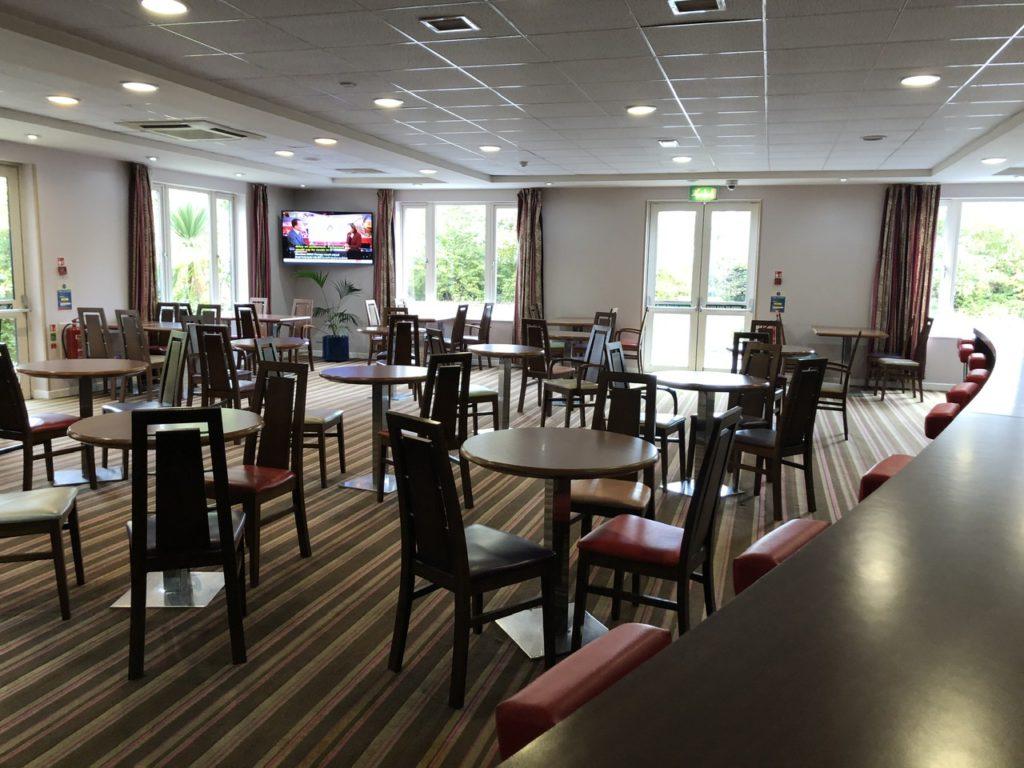 Lounge bar at Holiday Inn Express Poole