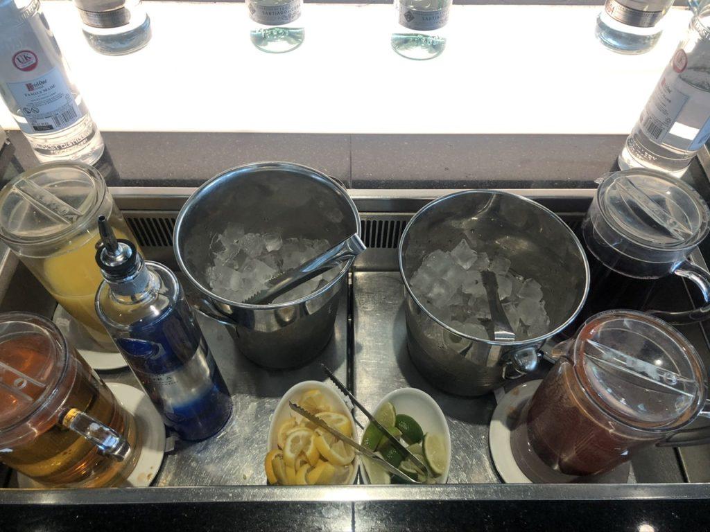 Self service bar