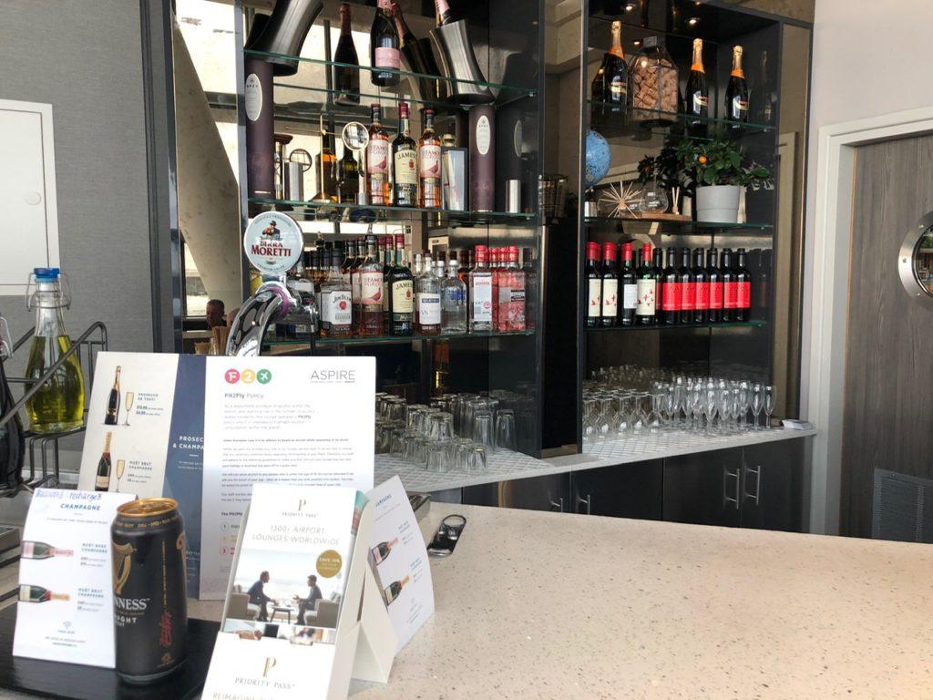 Bar at the ASPIRE Lounge