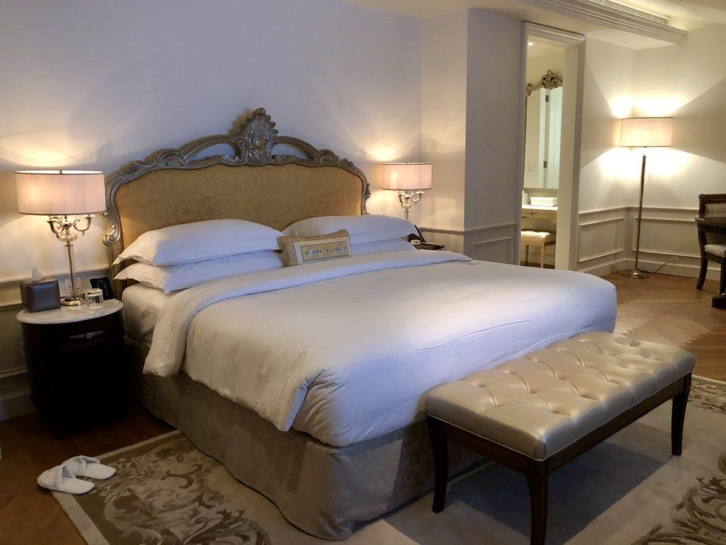 Suite Bed at Palazzo Versace Dubai