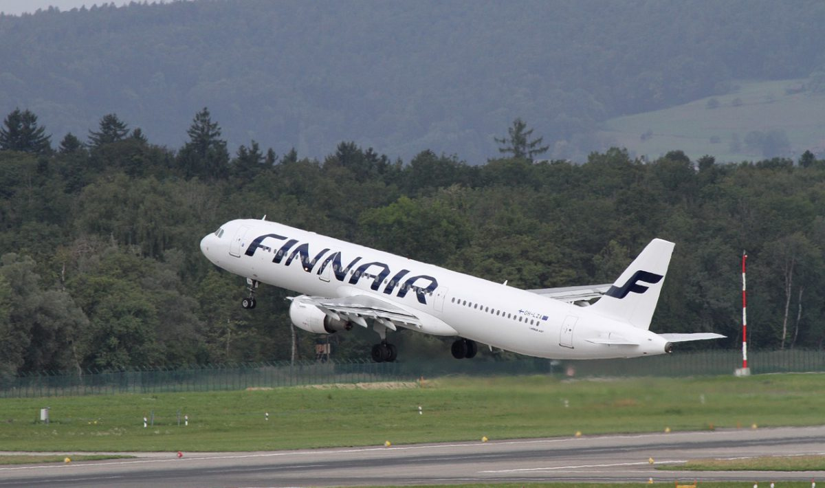 Finnair A320 taking off